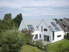 Ansicht vom Garten: moderne Häuser von Koschany + Zimmer Architekten KZA