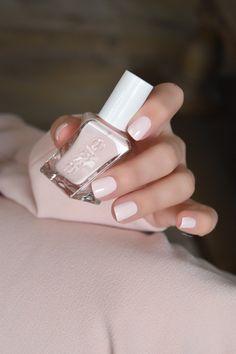 """Lace me up"" Essie Gel Couture Neutral Nails, Nude Nails, Pink Nails, Gel Nails, Pink Gel, Pink Glitter, Glitter Nails, Manicure Y Pedicure, Nagel Gel"