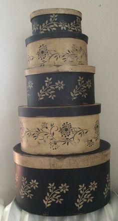 Paper Mache # 89 Primitive Colonial Black and White Set of 5 - redware etc Primitive Crafts, Primitive Christmas, Country Primitive, Paper Mache Boxes, Paper Mache Crafts, Painted Boxes, Painted Paper, Hand Painted, Vintage Hat Boxes