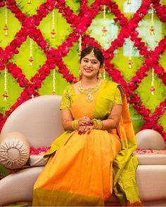 Wedding Hall Decorations, Marriage Decoration, Wedding Mandap, Wedding Bride, Wedding Venues, Housewarming Decorations, Flower Garland Wedding, Indian Bridal Fashion, Wedding Background
