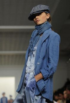 Ralph Lauren Collection & More Luxury Details I love the layers of multiple blue tones. Denim Fashion, Love Fashion, Autumn Fashion, Fashion Outfits, Womens Fashion, Fashion Design, Ralph Lauren Style, Ralph Lauren Collection, Kinds Of Clothes