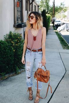 stylish summer outfit // distressed boyfriend jeans, striped tank and lace up heels(Diy Ropa Primavera) Stylish Summer Outfits, Spring Outfits, Casual Outfits, Fashion Outfits, Stylish Jeans, Woman Outfits, Fashion Clothes, Denim Outfits, Heels Outfits