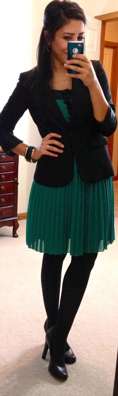 Throw a blazer over accordion skirt dress and wear with black tights. (http://hello-gorgeous-blog.blogspot.com/p/threads.html?m=1)