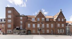 Phønix Hotel Aalborg This hotel is located in a stylish 18th-century building, just across the street from Algade shopping street. It offers an old-fashioned charm, modern facilities and rooms with free WiFi.