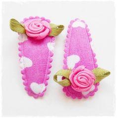 Haarspeldjes roze met hartjes en roosjes