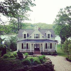 I love this farm house look...
