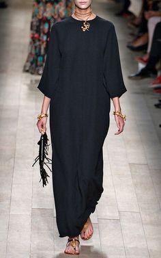Valentino Spring/Summer 2014 Trunkshow Look 2 - Moda Operandi Modesty Fashion, Muslim Fashion, Hijab Fashion, Fashion Outfits, Fashion Now, Paris Fashion, Islamic Clothing, White Fashion, Clothing Patterns