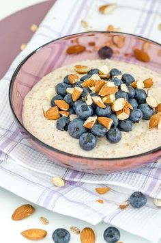 Vanillepudding Oats mit Blaubeeren und Mandeln - leckeres & gesundes Frühstück mit extra viel Protein!