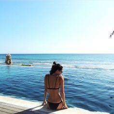 The Kohala is a minimal coverage, non-adjustable bikini bottom. Seamless bottom…