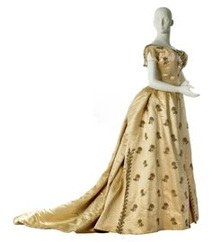 fripperiesandfobs: Worth evening dress, 1885-86 From MCNY