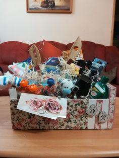 darčekový svadobný kôš Kos, Gift Wrapping, Gifts, Gift Wrapping Paper, Presents, Gifs, Gift Packaging, Present Wrapping, Wrapping Gifts
