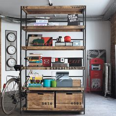 Mix-and-match furniture & decor Vintage Industrial Furniture, Industrial House, Diy Wall Decor, Entryway Decor, Home Decor, Muebles Living, Garage Makeover, Metal Shelves, Affordable Furniture