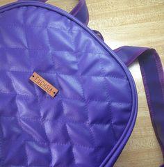 Feliz comienzo de semana  nuestro backpack morado está disponible  Si te gusta este u otros modelos puedes escribirnos a fuchsiavzla@gmail.com o dejar tu correo en un comentario de esta foto y te enviamos toda la información