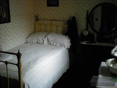 Irish Cottage Wrought Iron Bed