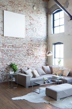 Usually the living room interior of the exposed brick wall is rustic, elegant, and casual. Exposed brick wall will affect the overall look of your house more appreciably. Living Room Designs, Living Room Decor, Living Rooms, Living Room Brick Wall, Loft Stil, Interior Architecture, Interior Design, Interior Ideas, Contemporary Interior