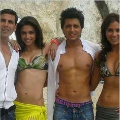 shared a photo from Flipboard Sonakshi Sinha, Deepika Padukone, Guess The Movie, Akshay Kumar, Anushka Sharma, Bollywood Actors, Actors & Actresses, Desi, Bikinis