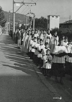 """""""Processione in Viale Venezia"""" - 1964 http://www.bresciavintage.it/brescia-antica/fotografie-d-autore/7685/"""