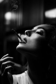 Black & White Vintage Editorial Photo of Model Smoking. love this shot. Want to reenact it Film Noir Fotografie, Rauch Fotografie, Women Smoking, Girl Smoking, Smoking Room, Smoke Photography, Portrait Photography, Chiaroscuro Photography, Photography Reflector