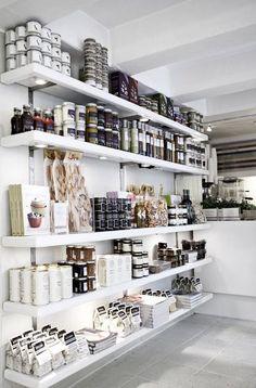 "sunflowersandsearchinghearts: "" Retail Design | Food & Grocery Display | Organic Stores | Mooi planken met spots! """