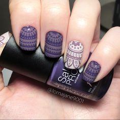 Purple patterned nail art using @rimmellondonuk 'seduce' & @barrymcosmetics 'pit stop' quick dry polish. With @moyou_london stamping polish 'purple mouse' & stamping plate 'kaleidoscope plate 07'.