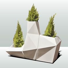 Go to Casa Outdoor in Boston's South End to find Vondom's 'Faz' planter set. Best of all: the chic modular planters are self-watering, good for all seasons. Modern Planters, Outdoor Planters, Garden Planters, Succulent Planters, Succulents Garden, Hanging Planters, Modern Outdoor Decor, Modern Outdoor Furniture, Commercial Planters