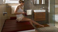 Badewannenauflagen erhöhen Flexibilität und Komfort im Badezimmer, sind aber häufig auch recht teuer. (Quelle: Kaldewei)