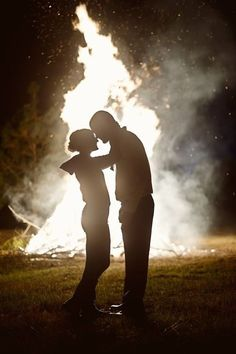 i think i definitely need a bonfire ending Country Quotes, Country Life, Country Girls, Country Music, Couple Pictures, Wedding Pictures, Wedding Ideas, After Life, Thats The Way