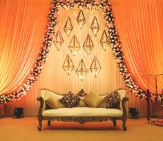 30 Most Bewitching Indoor Stage Decor Ideas for Your Wedding Wedding Stage Decorations, Simple Stage Decorations, Engagement Stage Decoration, Reception Stage Decor, Desi Wedding Decor, Wedding Stage Design, Wedding Reception Backdrop, Wedding Mandap, Backdrop Decorations