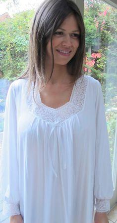 Powell Craft Big Girls Charlotte Nightgown//Nightdress.100/% Cotton.white