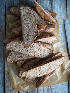 Eltefritt brød med rug og valnøtter Bakery, Food And Drink, Bread, Bread Store, Breads, Baking, Bakery Business, Sandwich Loaf