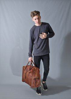The Vagabond Large: Vintage style brown leather holdall duffle weekend bag carry on flight luggage unisex mens