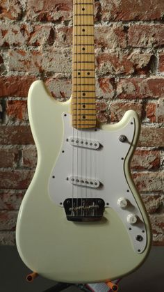 Fender Duo Sonic MIM. #duosonic
