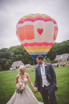 ELEGANT HOT AIR BALLOON WEDDING IN THE COUNTRY | TARA + GRANT - Wedding Planner & Guide