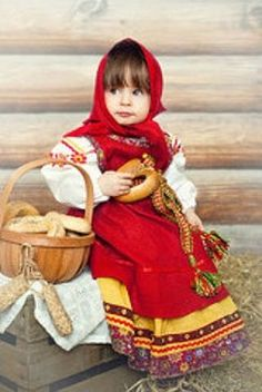 Pretty little girl in a Russian traditional costume. #kids