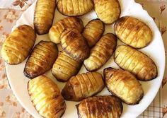 Vajas sült burgonya recept foto Hot Dog Buns, Hot Dogs, Okra, Bread, Ethnic Recipes, Food, Gumbo, Brot, Essen