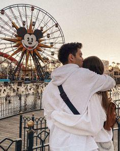 Disneyland Couples, Disney Couples, Cute Disney Pictures, Cute Couple Pictures, Couple Wallpaper Relationships, High School Relationships, Jess And Gabe, Jess Conte, Relationship Goals Pictures