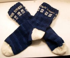 Free TARDIS socks knitting pattern. Not usually one to knit, but I would wear these :)