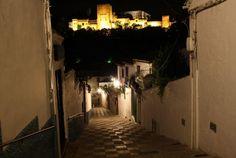 Cicerone Granada propone por Halloween un paseo por la Granada misteriosa, edificios y lugares que guardan historias de crímenes y sucesos sobrecogedores.