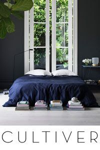 An inspiring round up of inspirations in blue paint, design and decor ideas in the blue interior trend and Pantone 2020 color of the year Classic Blue Interior Architecture, Interior And Exterior, Home Bedroom, Bedroom Decor, Bedroom Sets, Dark Interiors, My New Room, Beautiful Bedrooms, Interior Design Inspiration