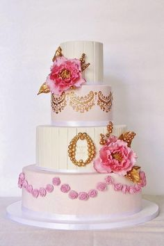 Wedding cake in gold and pink - Cake by Sannas tårtor