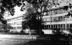 REGISTER modernej architektúry Slovenska - Základná škola v Prievoze Multi Story Building, Architecture, Arquitetura, Architecture Design