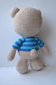 Es un Mundo Amigurumi: Patrón Gratis... Osito con Polera a Rayas Crochet Teddy, Crochet Toys, Knit Crochet, Amigurumi Patterns, Doll Patterns, Crochet Patterns, Handmade Soft Toys, Filet Crochet, Free Pattern