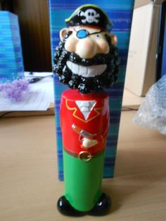TALL RED/GREEN PIRATE WOBBLY HEAD MONEY BOX PIGGY BANK GIRLS/BOYS GIFTS