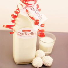 Do you still remember my RaffaeloLikr? I have himhellip - Weihnachten - Tartes Party Drinks, Cocktails, Ice Candy, Sweet Recipes, Glass Of Milk, Food And Drink, Yummy Food, Snacks, Baking
