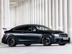 Dưới bàn tay của nhà độ xe ADV.1, chiếc Mercedes C63 AMG 2013 Black Series Coupe càng trở nên hoàn hảo hơn