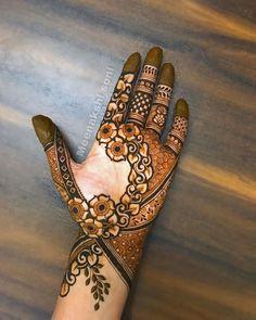 Pretty Henna Designs, Rose Mehndi Designs, Mehndi Designs For Kids, Latest Henna Designs, Henna Art Designs, Modern Mehndi Designs, Dulhan Mehndi Designs, Mehndi Design Photos, Wedding Mehndi Designs
