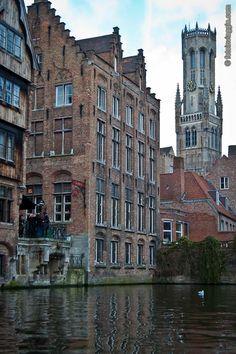 """Foto Di Bruges (Brugge) – Belgio - Bruges (Brugge), città del Belgio che grazie ai canali navigabili da cui è attraversata si è guadagnata il soprannome di """"Venezia del nord"""". Altra Gallery della sezione Foto dal Mondo."""