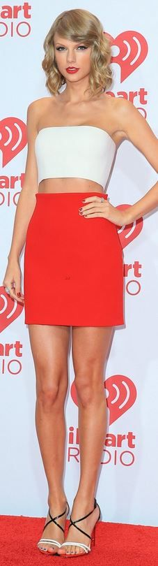 Taylor Swift's red skirt