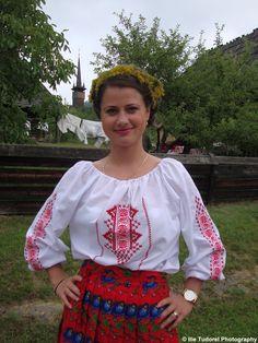 Ziua Universala a iei romanesti Universal Day of the Romanian Blouse 2015 Photo Blog, Tudor, Ruffle Blouse, Day, Beautiful, Tops, Women, Fashion, Moda