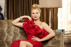 """Nicollette Sheridan to play Alexis Carrington on The CW's 'Dynasty' re-boot. Nicollette Sheridan is set to play the role of Alexis Carrington in The CW's re-boot of """"Dynasty."""
